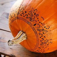 Stenciled Pumpkins for Fall