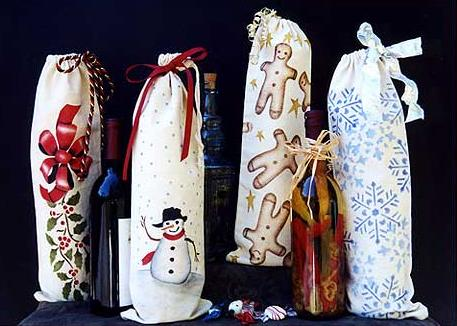 Stenciled Christmas: Wine Bags