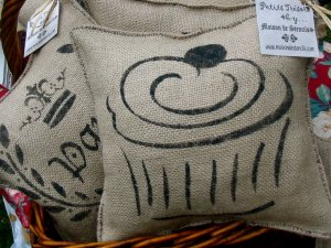 Stenciled Cupcake Pillow