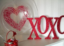 My Repurposed Life: Heart Doily Stenciled Plate