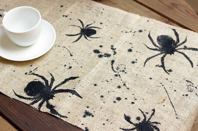 Brit + Co: Spider Table Runner